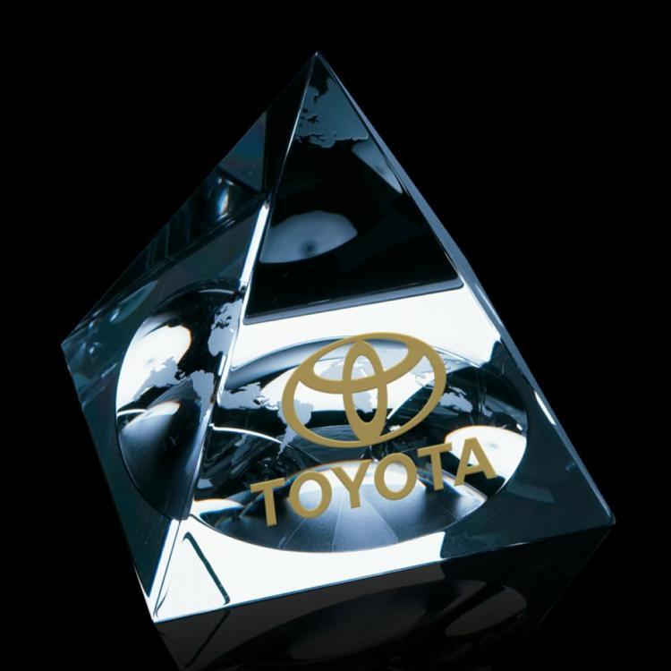 Globe Pyramid - Optical